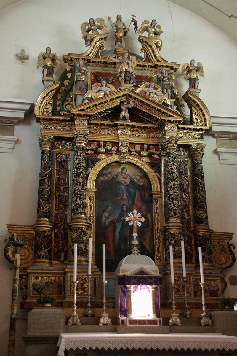 Chiesa parrocchiale pala dei Ss. Vittore e Corona