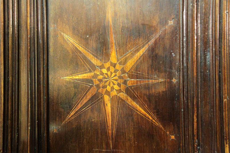 Chiesa parrocchiale: particolare della sede
