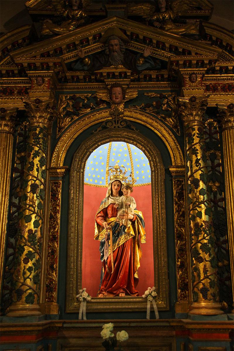 Chiesa parrocchiale: particolare dell'altare ligneo della B.V.