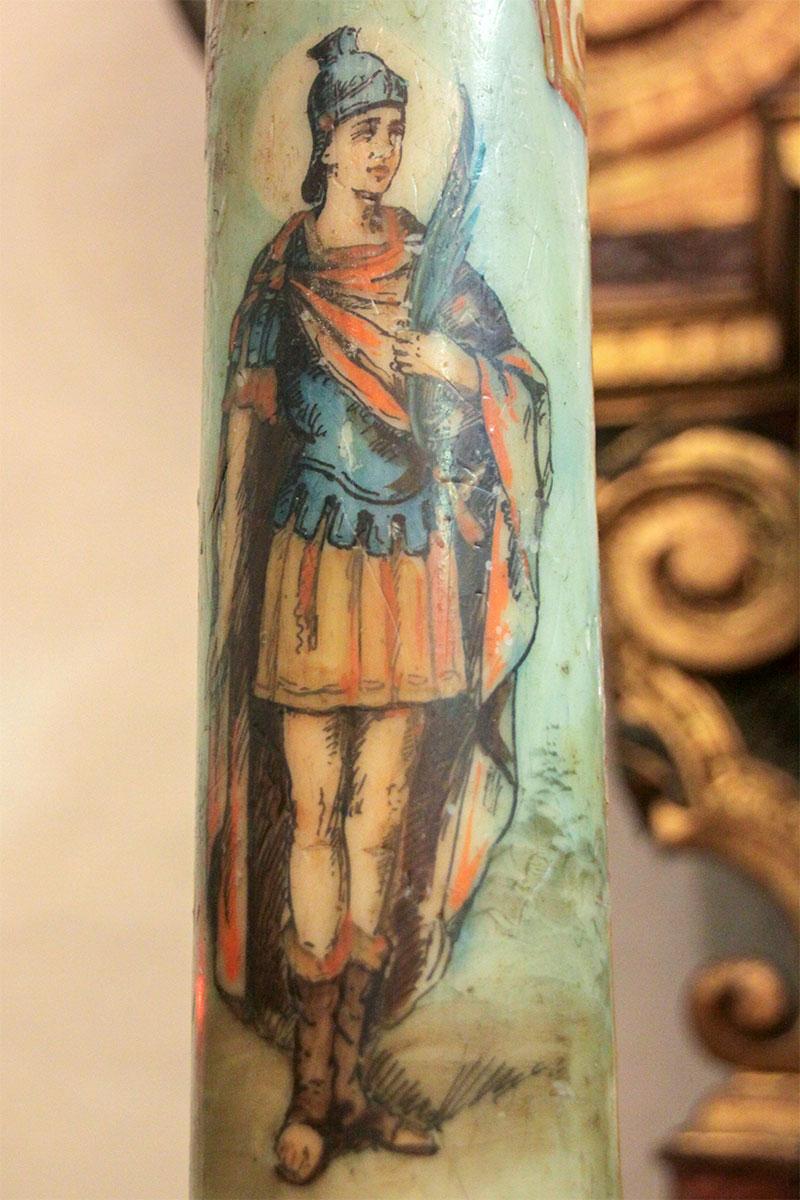 Chiesa parrocchiale: raffigurazione di S. Vittore sull'antico cero pasquale